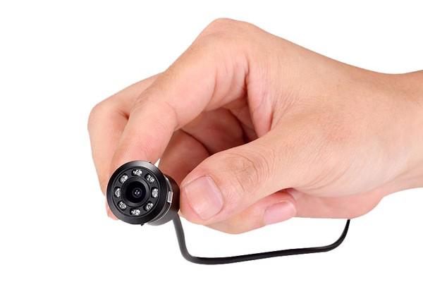 Skrytá univerzální couvací kamera UNI-DRILL